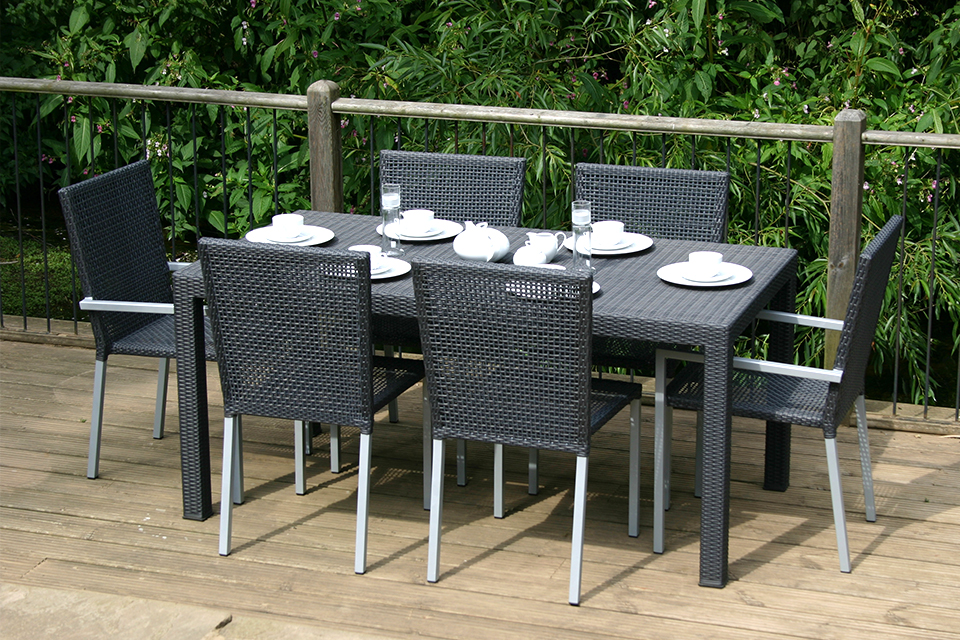 Granville rattan garden dining table bau outdoors for Rattan garden furniture