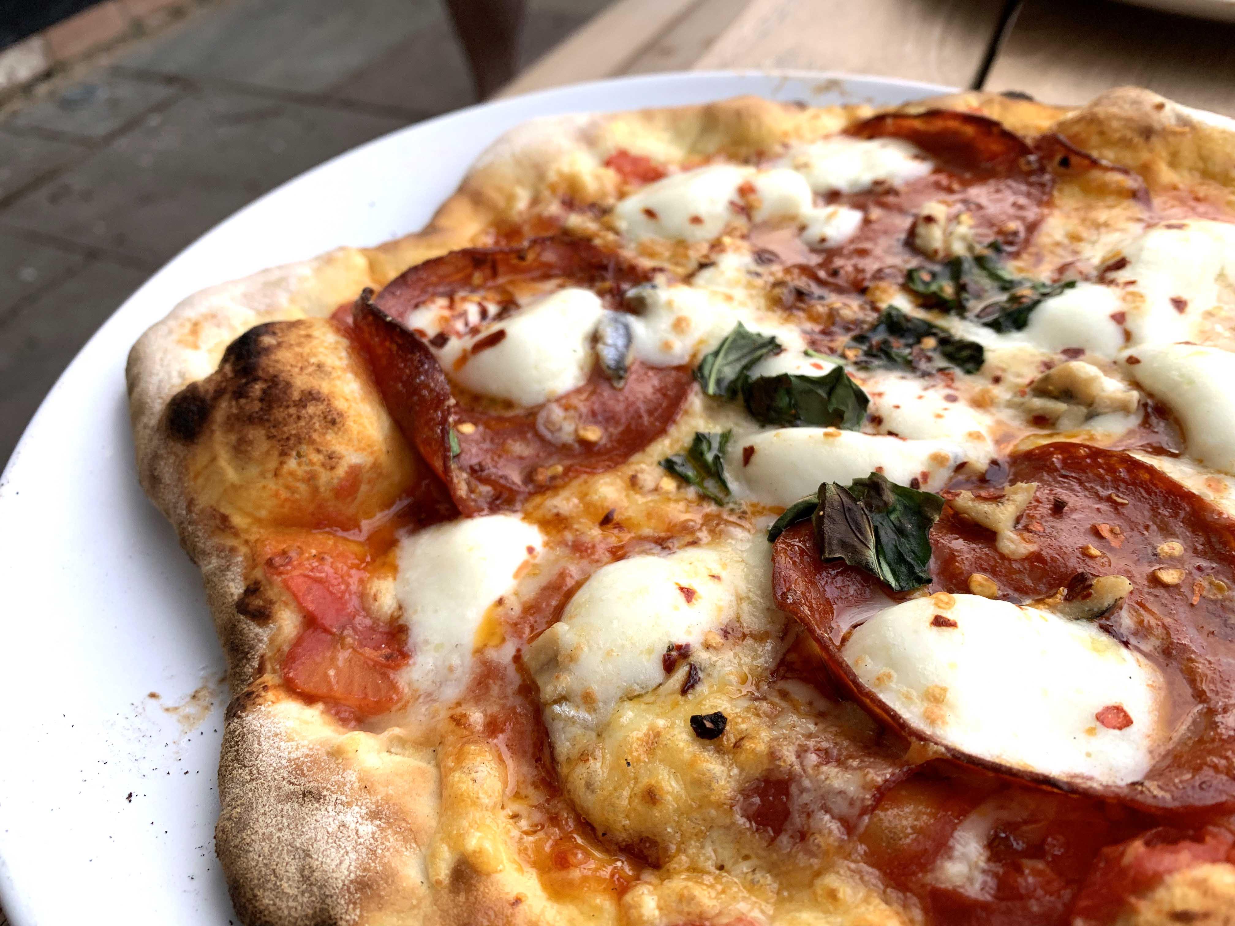 Igneus Classico Pizza Oven - Pizza!